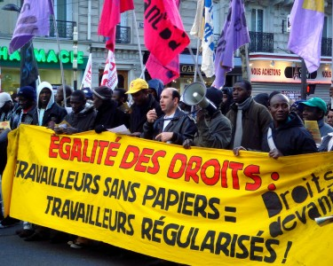 Demonstrations held in favor of the immigrants' right to work in Paris  by austinevan on Flickr (CC-NC-SA-2.0)