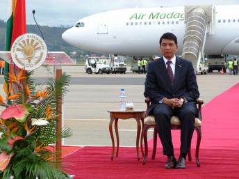 President Andry Rajoelina with the Air Madagascar Airbus 340. Photo: Tananews.