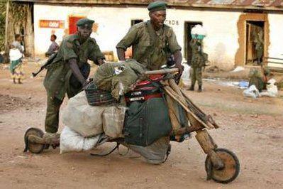 http://fr.globalvoicesonline.org/wp-content/uploads/2012/07/arm%C3%A9e-congolaise-FADRC.jpg