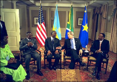 Meeting between Kabila, Bush, Kagame and Annan at NYC in 2002 by Eric Draper - public domain