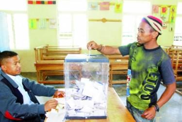 Vote d'un citoyen malgache via Andrimaso avec leur permission
