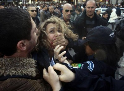 Photo rassemblement 6 mars 2014 Algerie. Mouvement Barakat