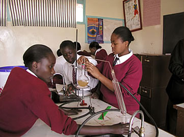 Chemistry lesson in Kenya from un.org, with their permission