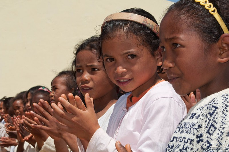 Young Malagasy girls by Hery Zo Rakotondramana on FlickR - CC BY-SA 2.0