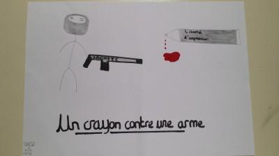 un crayon contre une arme Lycée Strasbg
