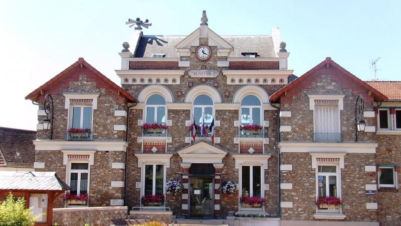 Hôtel de Ville de Champlan (91), France - Wikipedia CC-BY-30