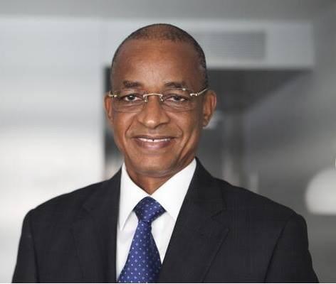 «Cellou Dalein Diallo-Ancien Premier Ministre et Chef de file de l'opposition guinéenne» par Alpha Boubacar Bah — Travail personnel. Sous licence CC BY-SA 4.0 via Wikimedia Commons -