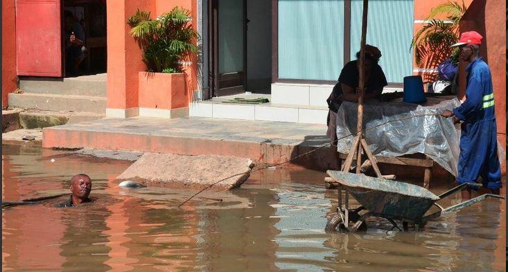 فيضانات في مدينة أنتاناناريفو، مدغشقر. نشرتها Mirana Priscilla عبر تويتر