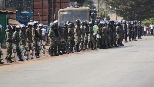 Forces armees en Guinee pendant des manifestations via GuineeWeb CC-BY-20
