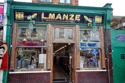 L. Manze pie shop - photo by Paul Hudson under CC lience