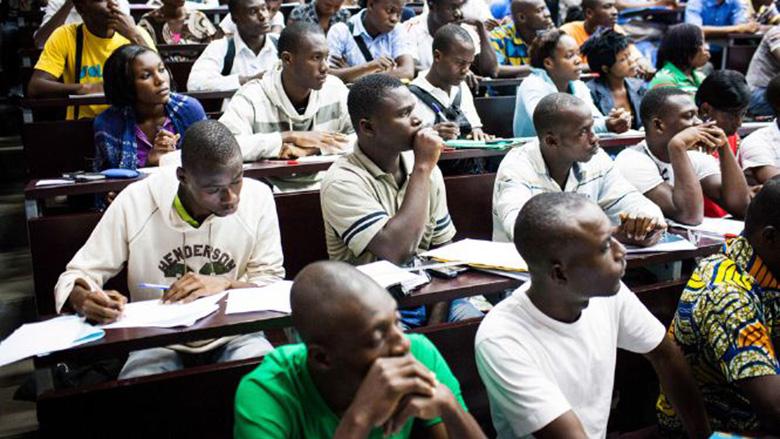 Atelier d E-learning Benin pour aider les jeunes béninois à entrer le marché du travail  via Banque Mondiale CC-BY-20