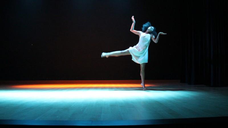 Gwen Rakotovao sur scène avec son autorisation