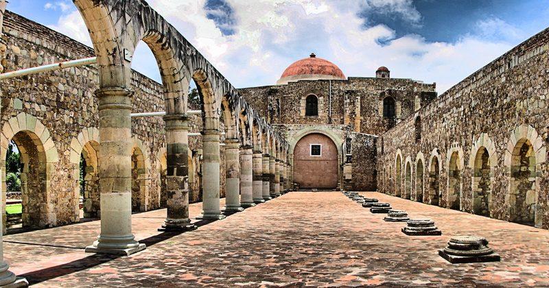 Ancien monastaire de Santiago Apóstol à Cuilapan de Guerrero . Photo prise par © N. Saum, n.saum@yahoo.com.mx